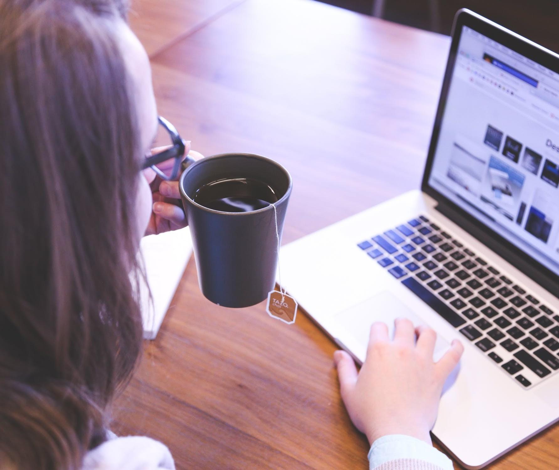 Para as mulheres o home office tem um desafio extra: conciliar o trabalho com a rotina da casa