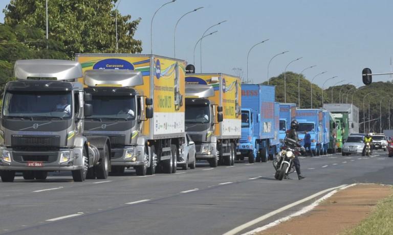 Caminhoneiros podem parar as atividades no dia 1º de fevereiro