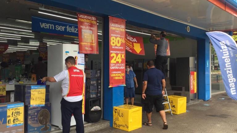 Liquidação: Descontos de até 80% no comércio de Maringá