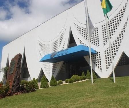 Unioeste contrata 63 professores