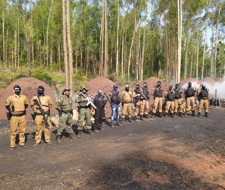 Polícia Ambiental fecha carvoaria clandestina em Querência do Norte