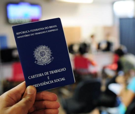 Maringá inicia a semana com 137 vagas de emprego; confira