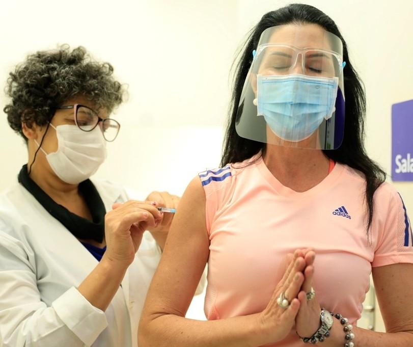 Maringá chega à marca de 100 mil pessoas vacinadas contra a Covid-19