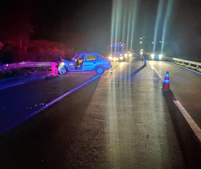 Motocicleta é atingida por carro na BR-376 e ocupante da moto morre