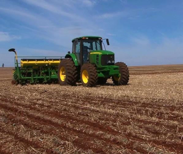 Plantio de soja no Paraná começa mais cedo nesta safra