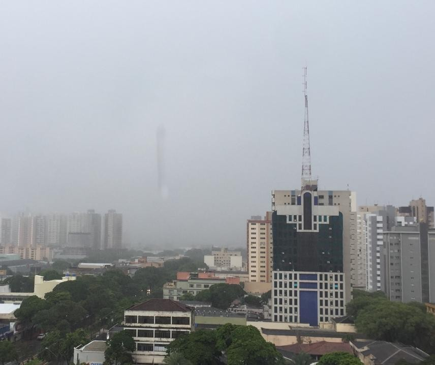 Com 98mm, Maringá registra em 24h quase todo o volume de chuva esperado para o mês