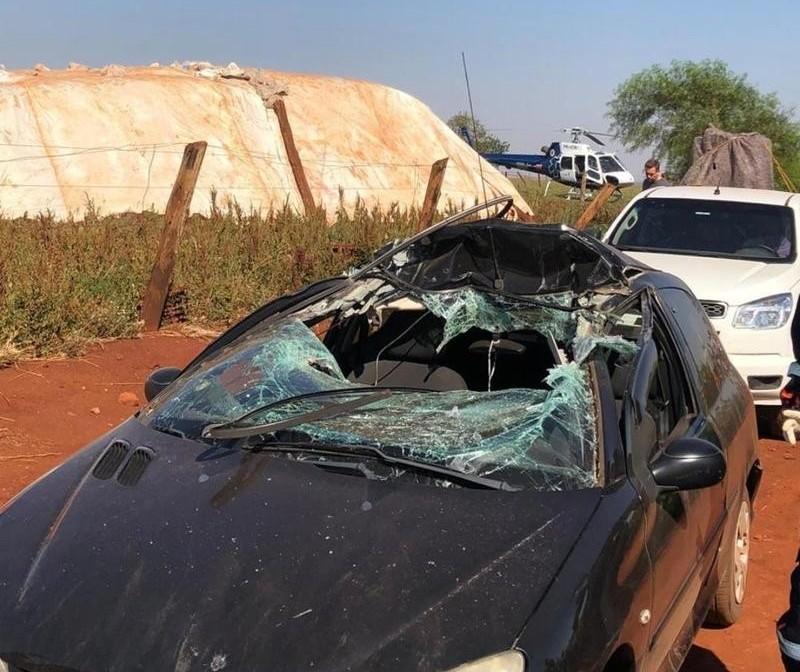 Motorista de carro fica em estado grave após colidir com máquina agrícola na região