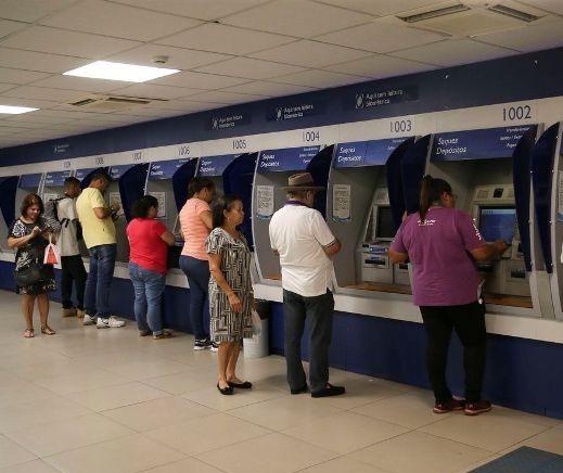 Bancos abrem nesta segunda-feira (30) e fecham terça-feira (31) e 1º de janeiro
