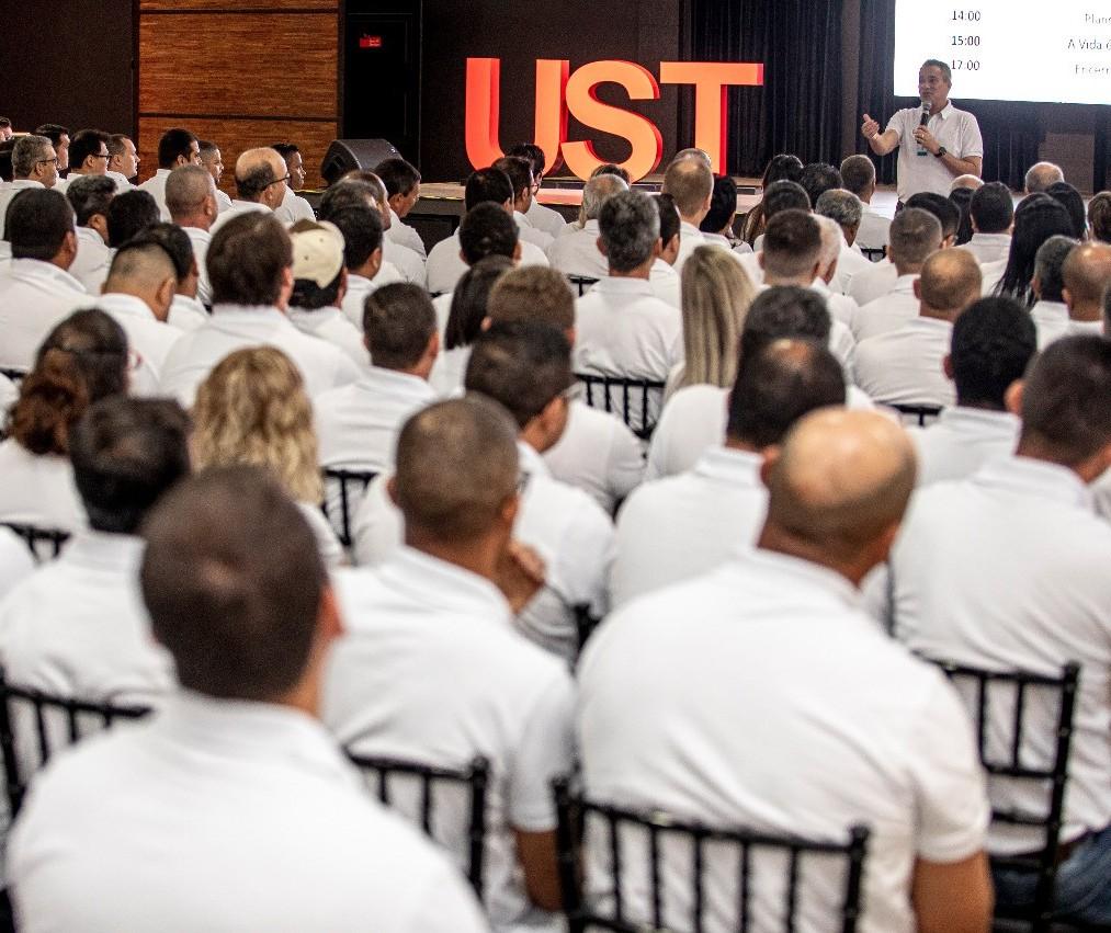 Empresa realiza evento para líderes em Maringá