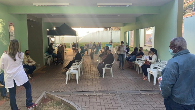 Vacinação contra a Covid é para comorbidades específicas neste sábado (8) em Maringá