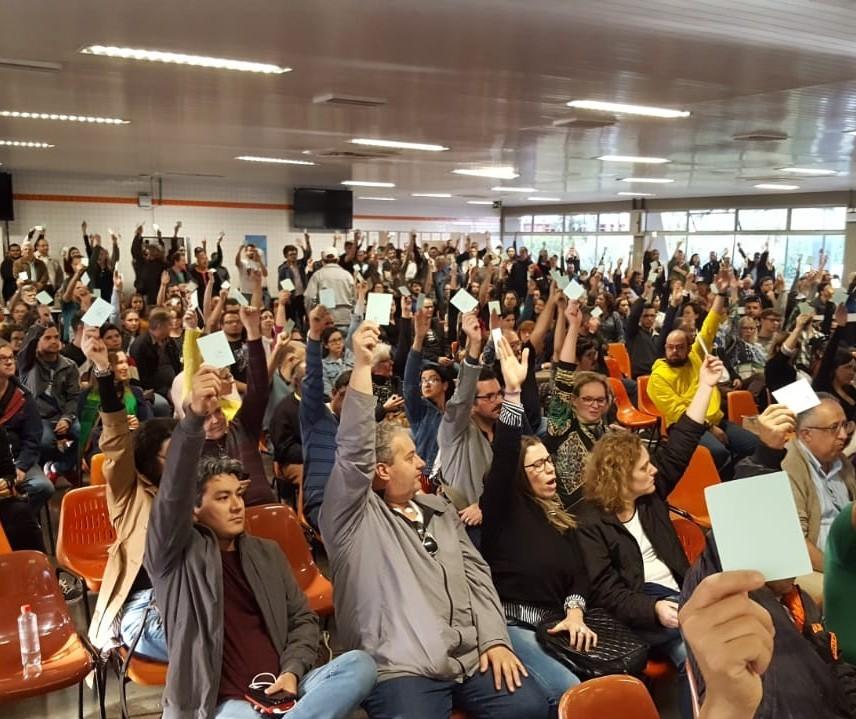 UEM: greve é mantida