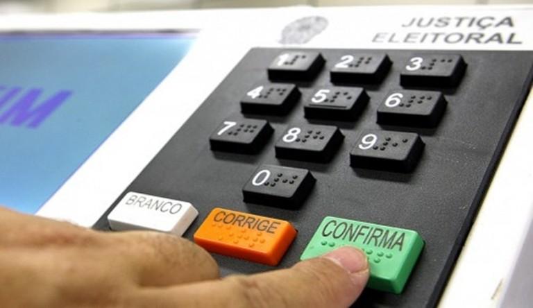 Nove candidatos a prefeito de Maringá participam de lives do Sinteemar