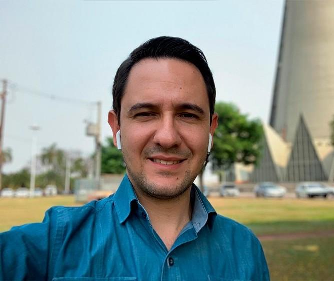 Valenciano fala sobre Sílvio Barros e a interferência judicial na política