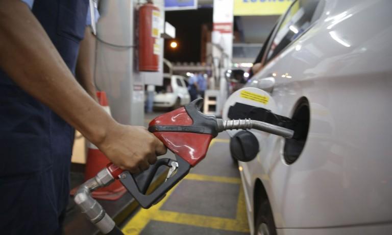 Petrobras poderia amortizar o repasse dos reajustes ao consumidor, diz economista