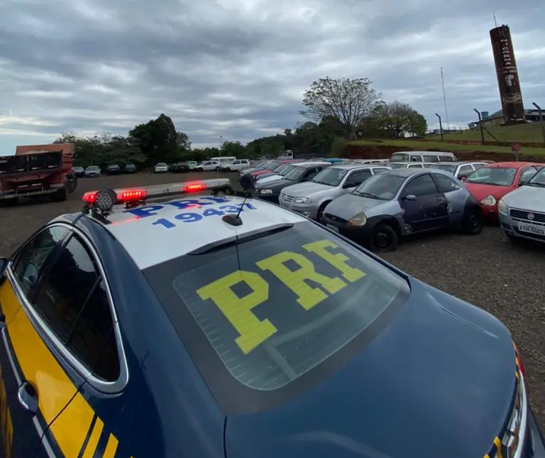 Com lance mínimo de R$ 50, PRF realiza leilão de veículos recolhidos na região de Maringá