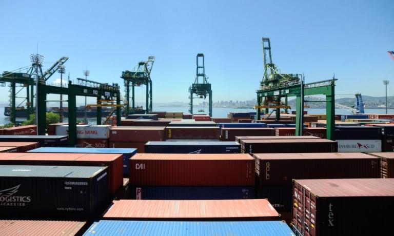 China foi responsável por mais da metade do superávit comercial do Brasil em 2020