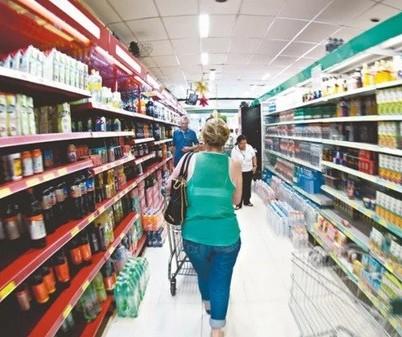 Maringá: Mercados, açougues e padarias funcionarão no sábado