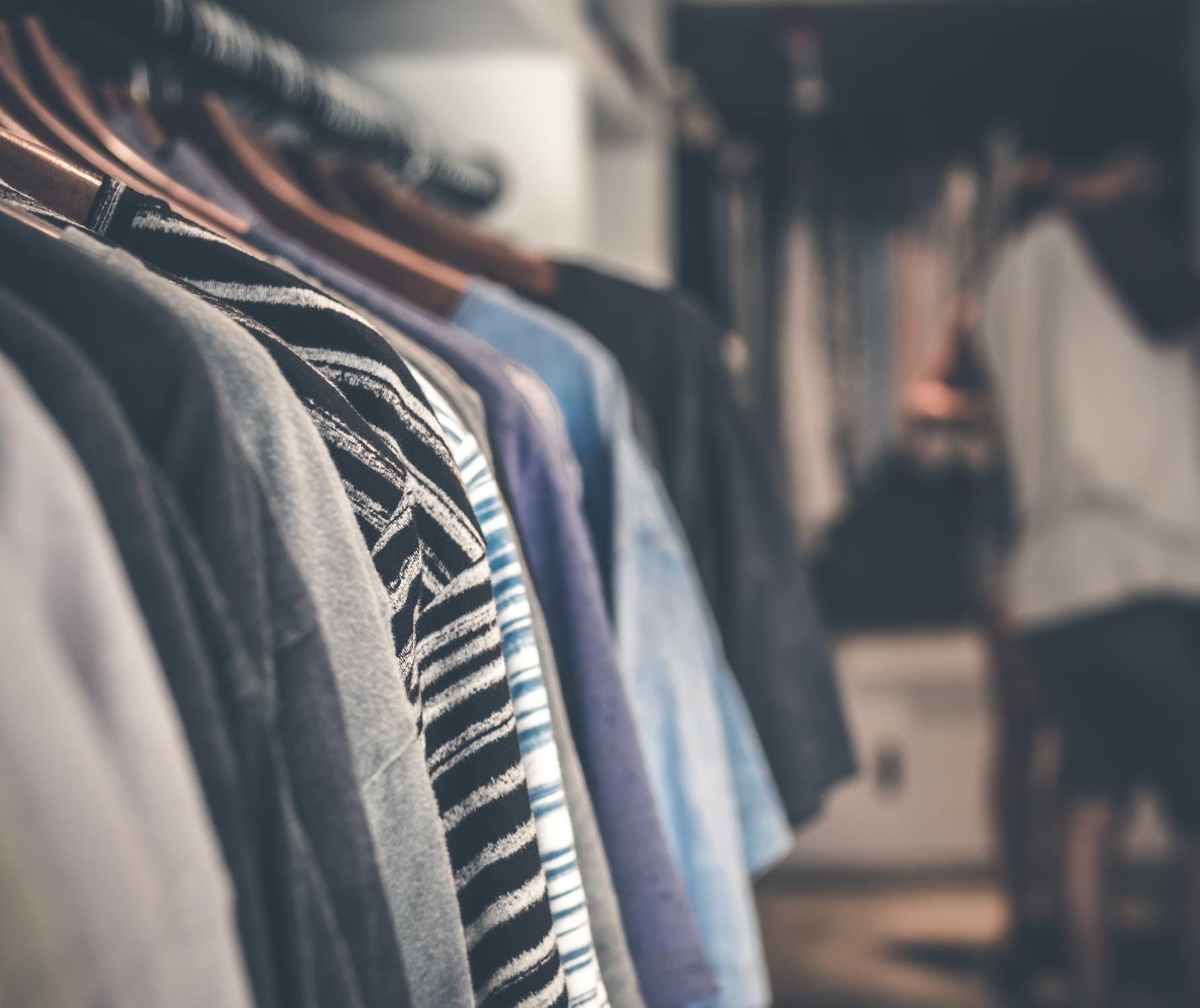 Unicesumar realiza arrecadação de roupas