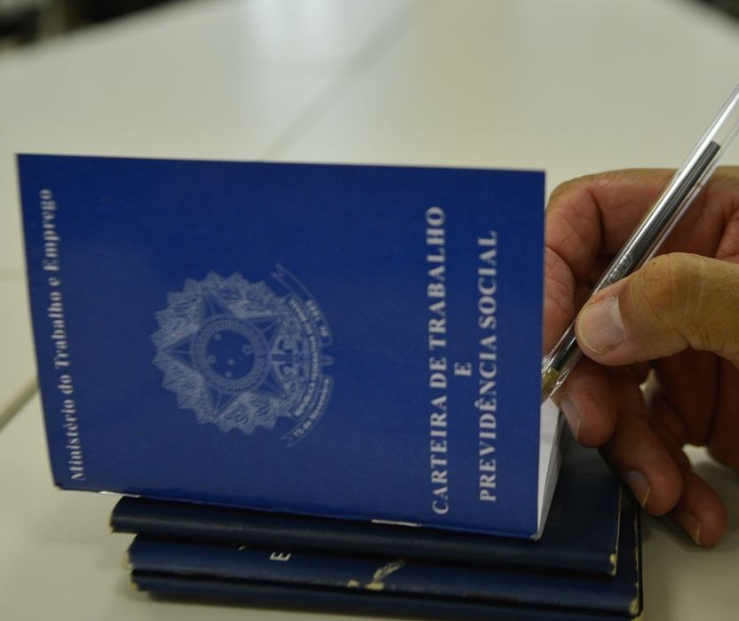 Emprego: Maringá inicia semana com 190 vagas para 64 cargos