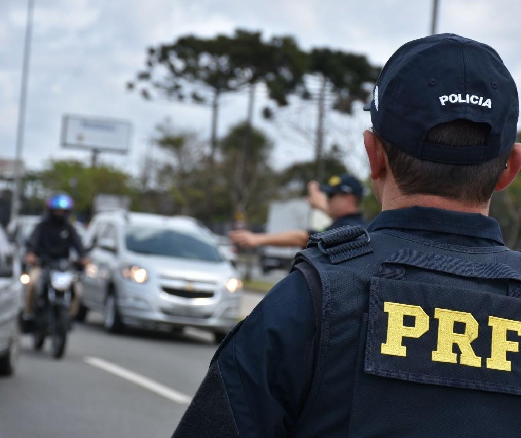 Acidente que matou casal em motocicleta precisa servir de reflexão, diz policial