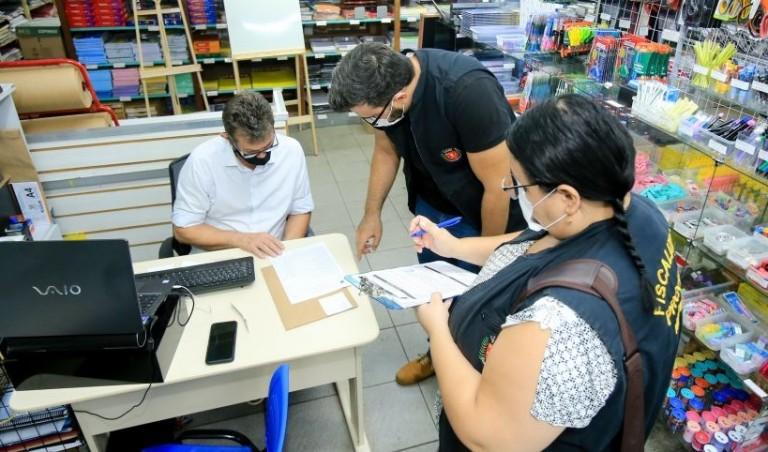 Variação no preço do material escolar chega a 2.560% em Maringá, diz Procon