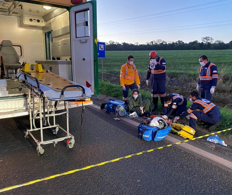 Homem morre após ser atropelado por caminhão na BR-376
