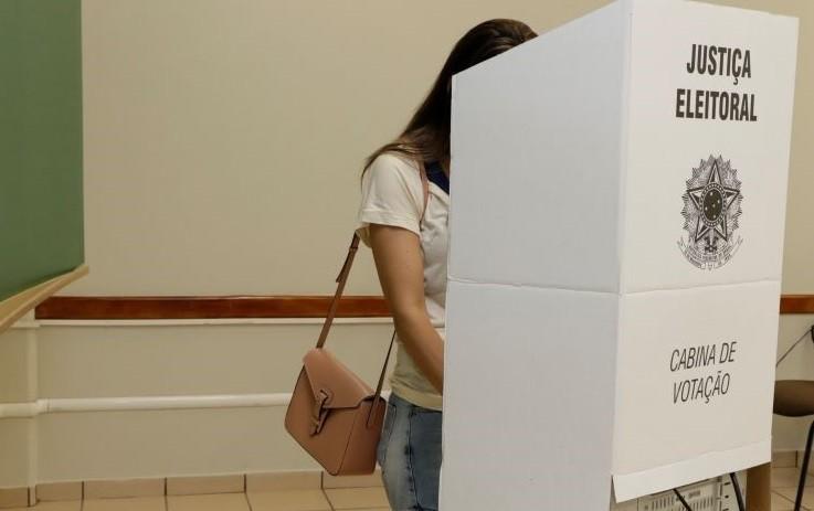 Primeira parcial em Sarandi: Volpato (46,9%), De Paula (42,6%), Bianco (8,5%)
