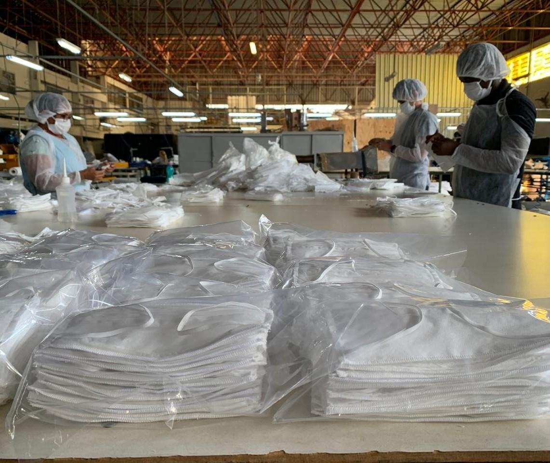 Fábrica de colchões de Maringá se transforma em indústria de máscaras