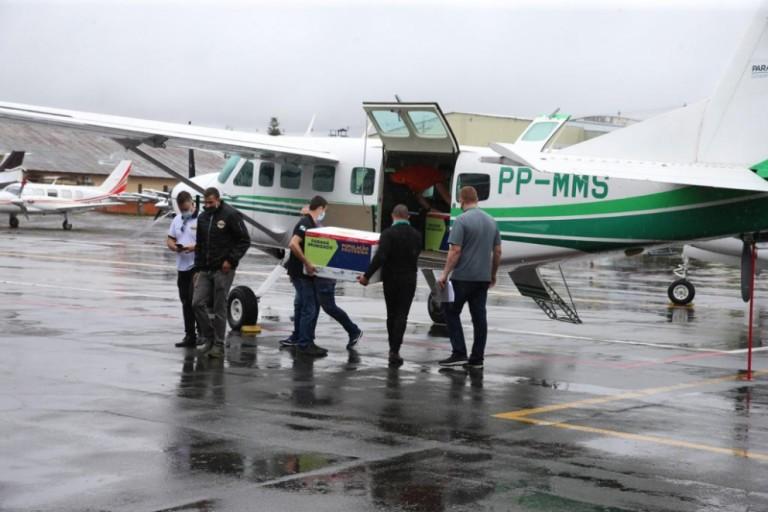 Piloto que trará as vacinas da capital para Maringá fala da expectativa para a distribuição