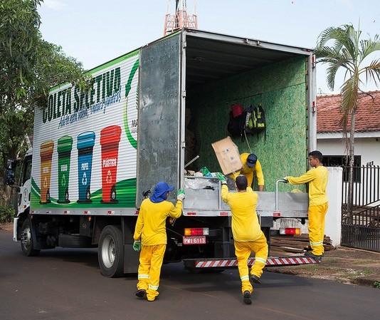 """Com """"quarentena"""" de 72h para recicláveis, coleta seletiva volta ao normal"""