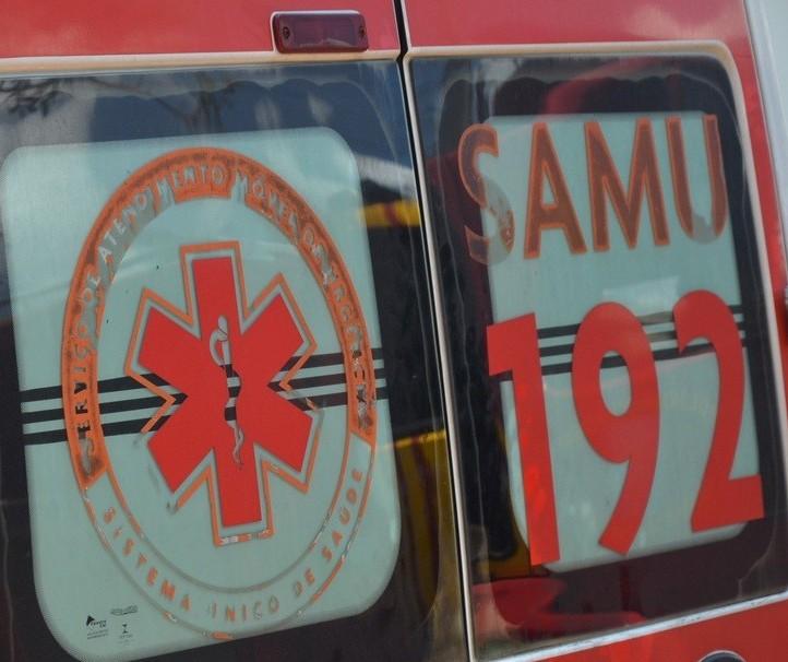 Carro capota e três pessoas ficam feridas na BR-376, em Sarandi