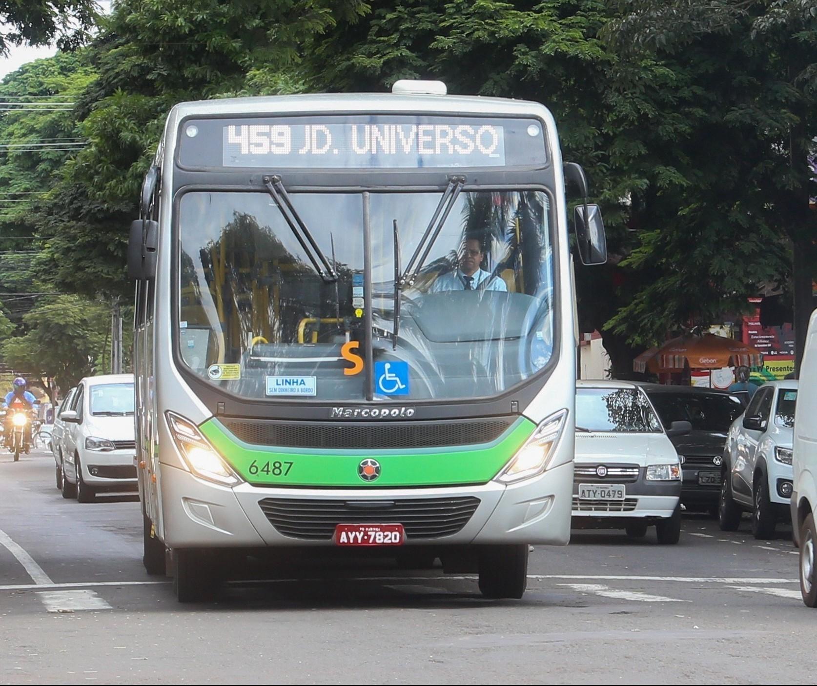 Ônibus devem circular com 50% da capacidade de passageiros