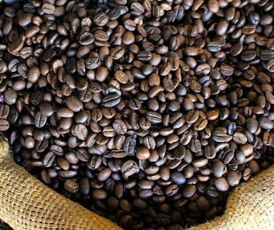 Café em coco custa R$ 6,90