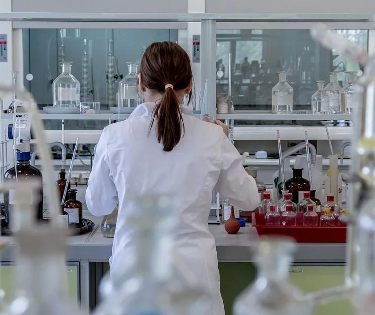 Grupo de pesquisadores organiza dados científicos sobre coronavírus