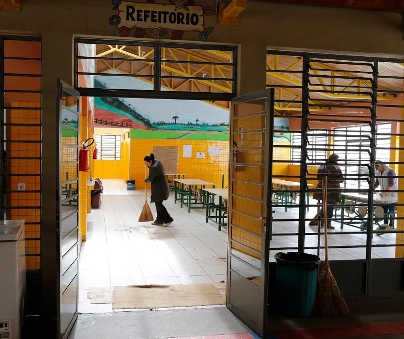 SEED abre processo seletivo para contratação de funcionários de escolas