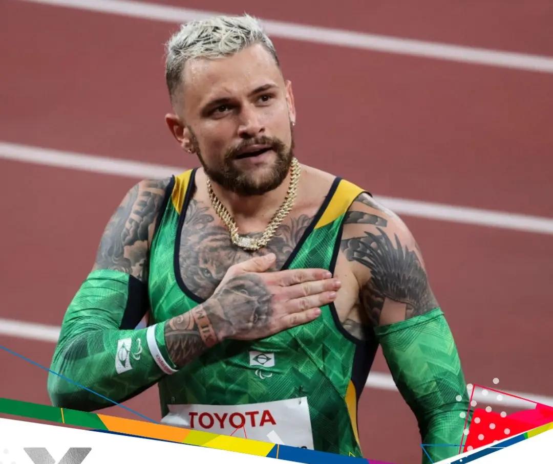 Maringaense Vinícius Rodrigues é prata nos 100m em Tóquio