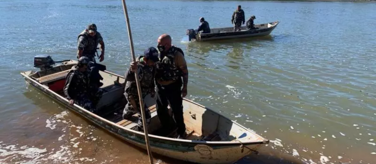 Sobreviventes passaram três horas em rio até chegar à margem