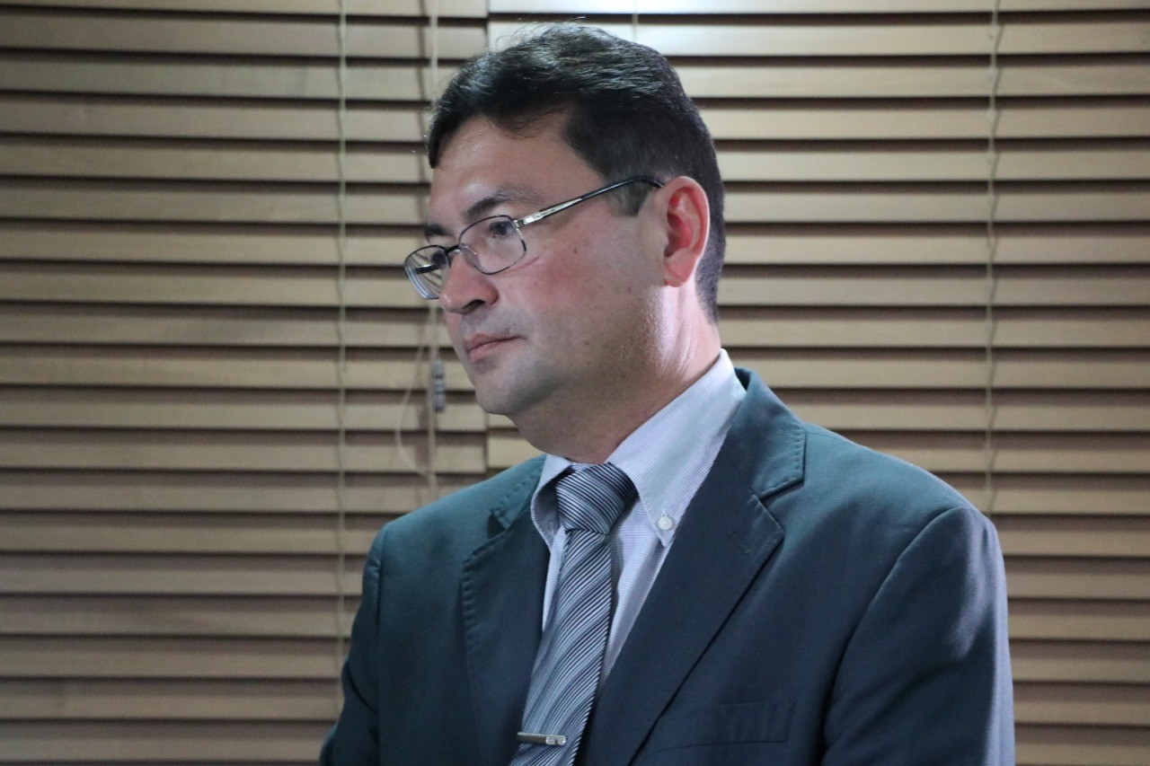 Prefeitura explica em coletiva por que não pode bancar transporte