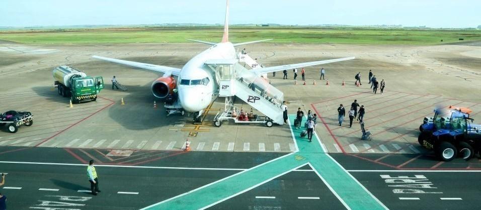 Quase 250 passageiros tiveram voos remarcados nesta terça-feira (16) em Maringá