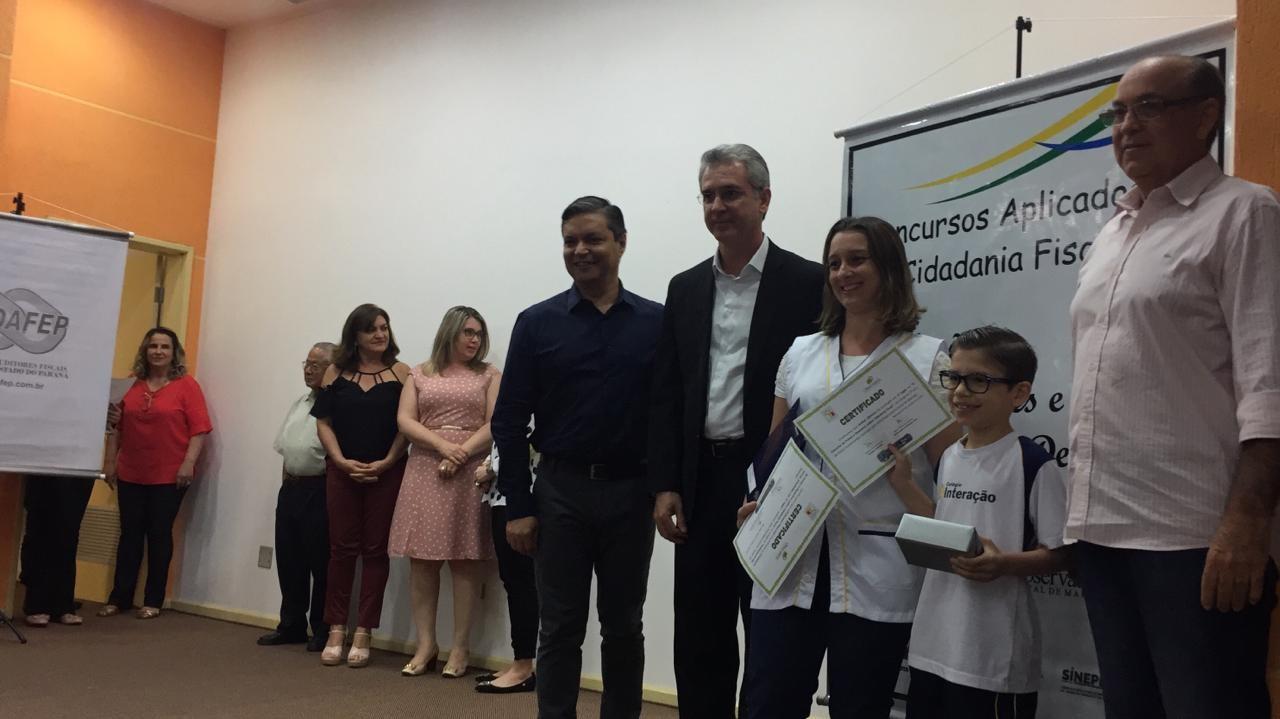 Mais de 50 alunos são premiados em Concurso de Redação, Frases e Desenhos