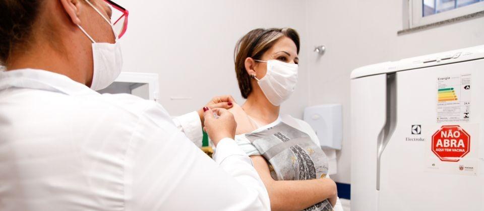 Maringá suspende vacinação de gestantes e puérperas contra a Covid-19