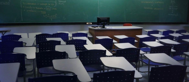 Aulas presenciais podem voltar e ter ensino remoto para quem não quer retornar