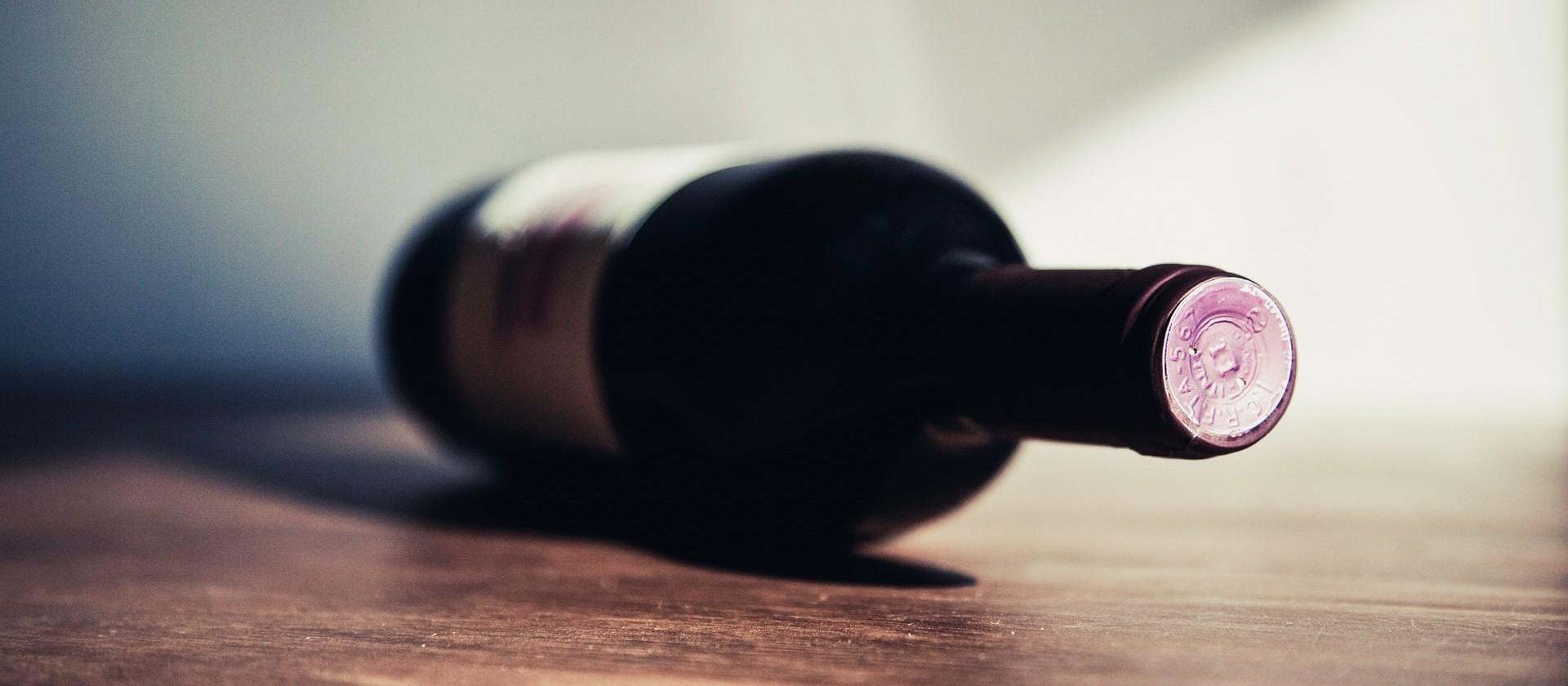 O que causa a oscilação dos preços do vinho?