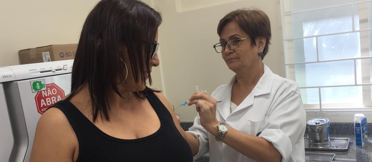 130 mil pessoas devem ser vacinadas em Maringá