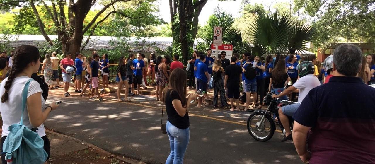 13 mil realizam vestibular de verão da UEM