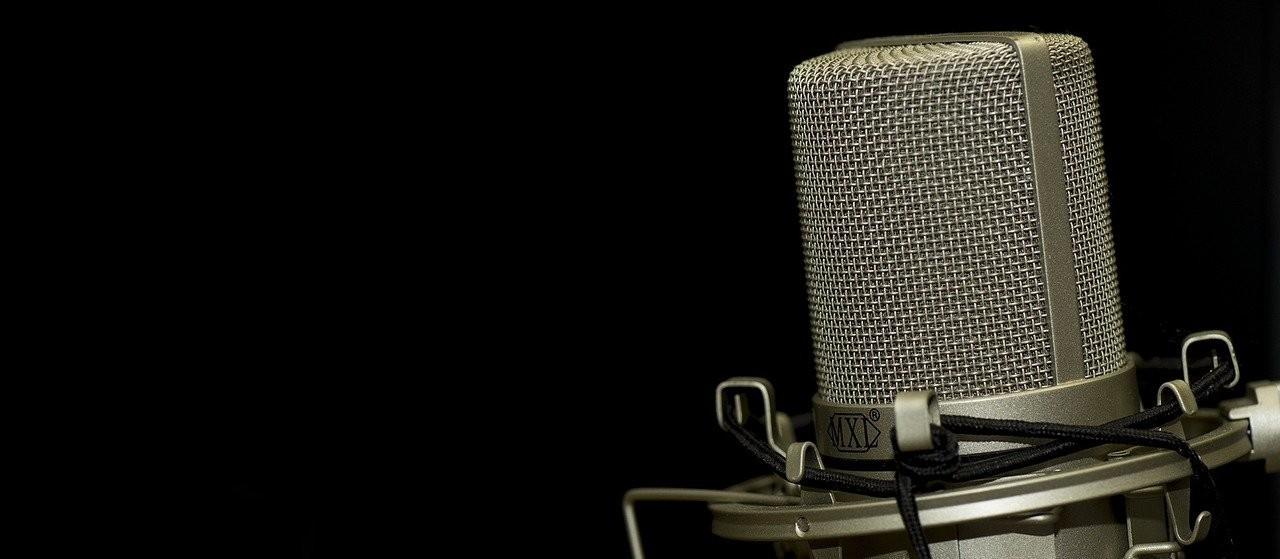 Quem disse que o rádio iria desaparecer? Um jovem de 99 anos