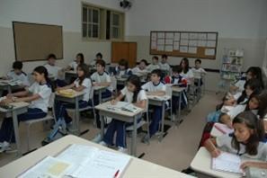 A exemplo das escolas do município, na rede estadual é alto o número de professores que faltam ao trabalho por problemas de saúde