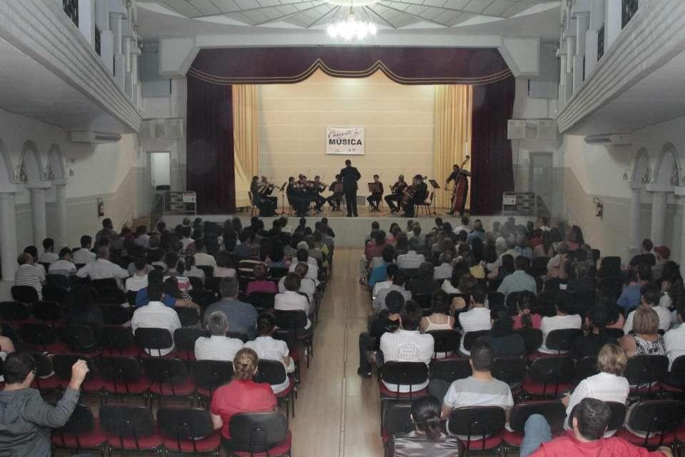 Para arrecadar fundos, Fundação Luzamor recebe eventos culturais