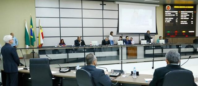 Vereadores aprovam projeto que suspende impostos por 90 dias