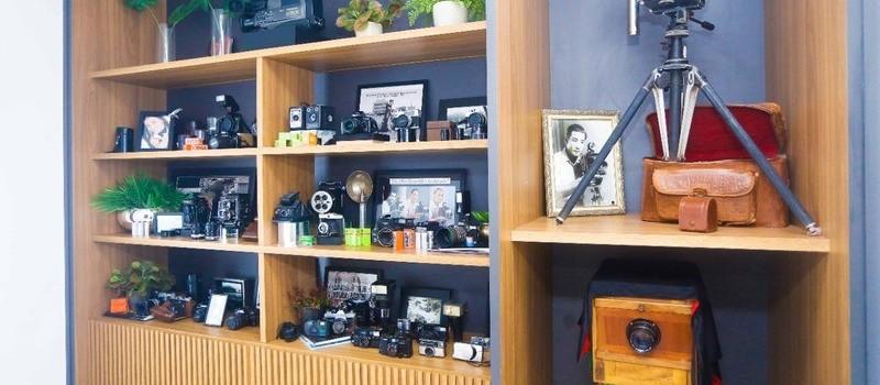 Espaço expõe equipamentos fotográficos de Kenji Ueta, em Maringá